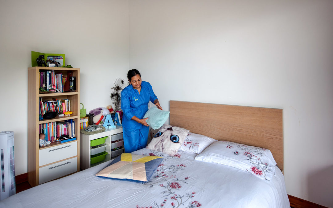 Empleadas domésticas en cuidado de adultos mayores